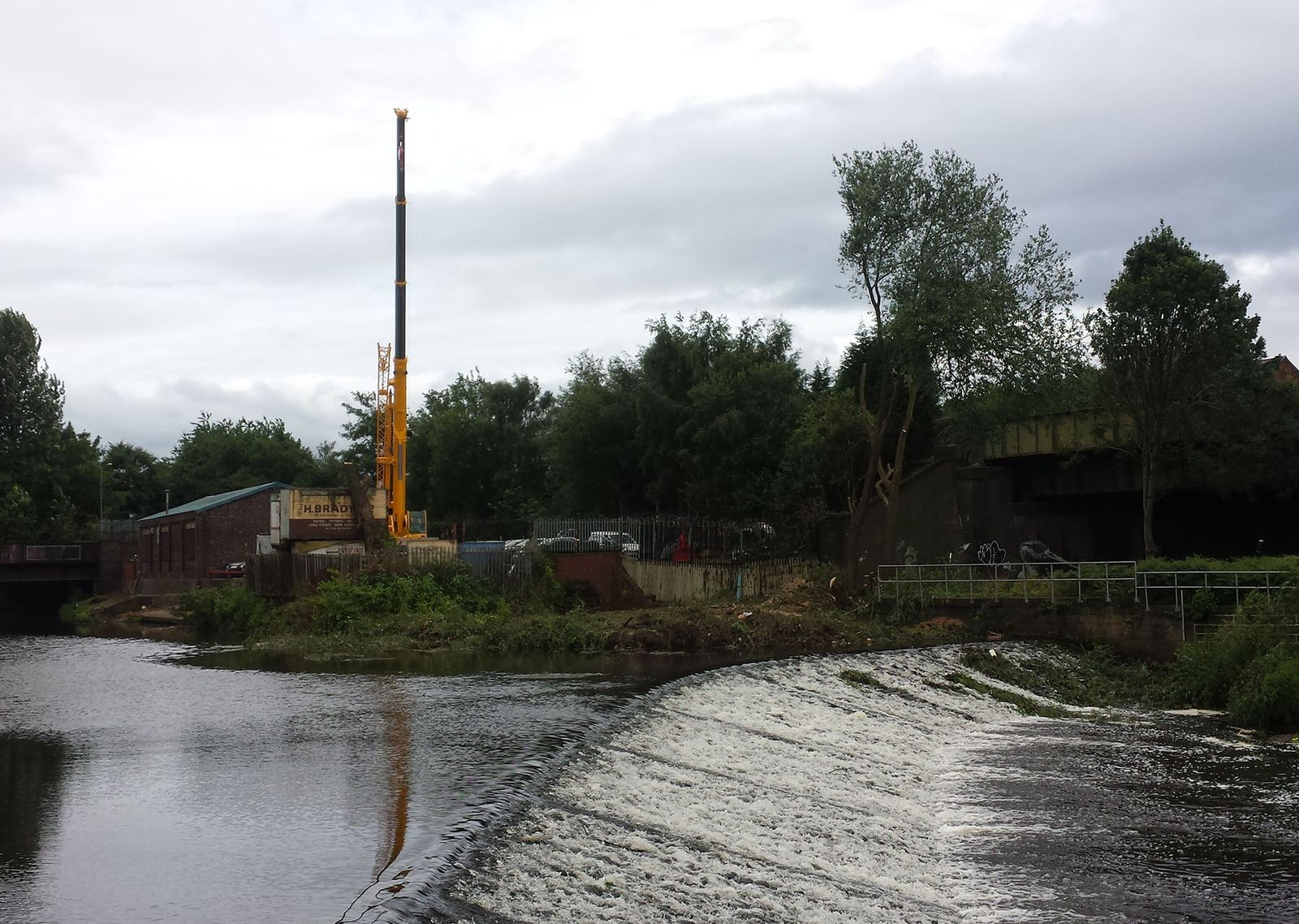 Lower Don Valley, crane, tree work, arboriculture, bank clearance, flood defence, flood alleviation